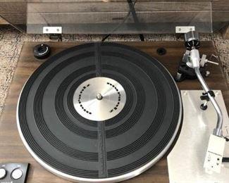 Hi-Fi Marantz Turn Table Model 6100 https://ctbids.com/#!/description/share/307398