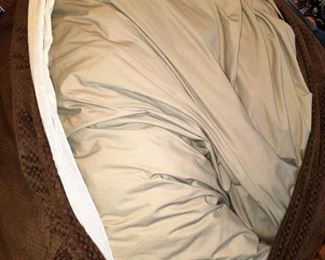 Voila! Queen bed mattress inside!