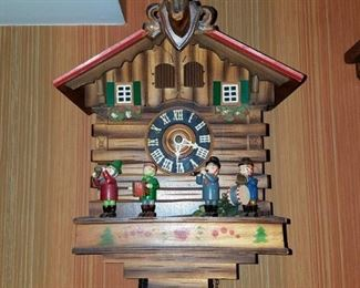 Black forest Cuckoo clock (1 of 2)