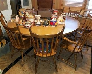 7' diameter(!) round kitchen table with10 chairs!