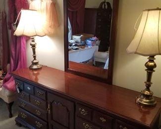 Thomasville mirrored dresser