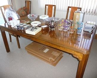 Henredon Table & Chairs