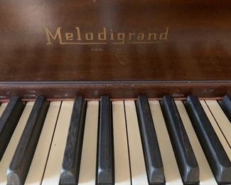 melodigrand baby grand piano