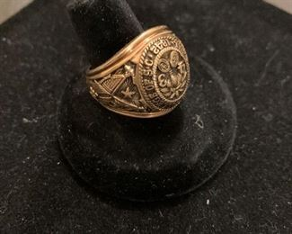 10k heavy Military College of SC ring