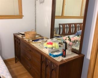 Breuer hill dresser with mirror excellent condition comes with drawers as well as bed and two side tables