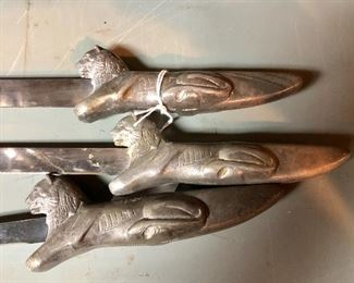 Knives with lions