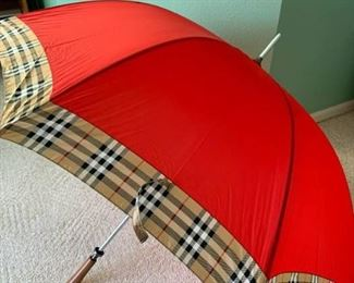 Burberry Umbrella #1 https://ctbids.com/#!/description/share/310344