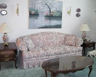Sofa with Thomasville coffee Table set