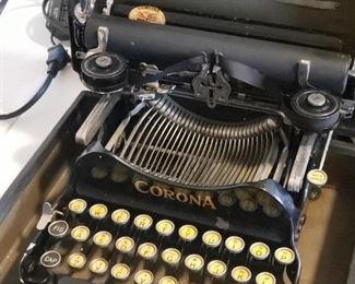 Corona portable typewriter, works