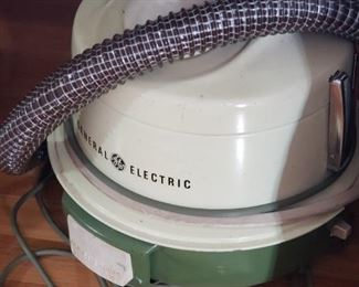 Vintage GE vacuum, excellent condition