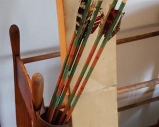 Vintage arrows and holder