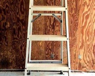 HFS007 Husky Aluminum Ladder