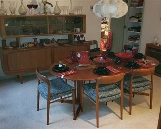 Mid Century Modern Mobler Teak Dining Table & 6 Chairs
