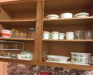 Pyrex cups - SOLD