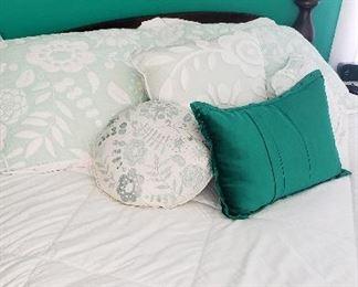 Bedding queen