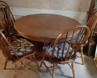 Dining Suite: Table, Chairs and 2 Leaves