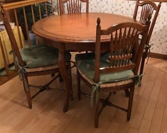 Terrific Round Dining Table  4 Chairs