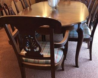 Stickley French Country Dining Table w/ 8 Chairs  (2) leaves