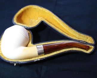 Lot 3 -Attributed to Andreas Bauer and Colin Fromm Meerschaum Pipe with Silver Ring