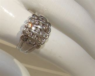 Lot 142 - Ladies Platinum Gold Ring with 23 Diamonds Size 8. New and never worn.