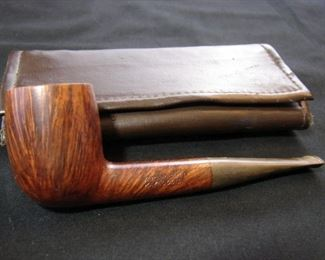 Lot 16 - Vintage Kaywoodie Tobacco Pouch and Matched Grain Billiard Pipes