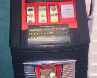 totally refurbished quarter slot machine by Mills