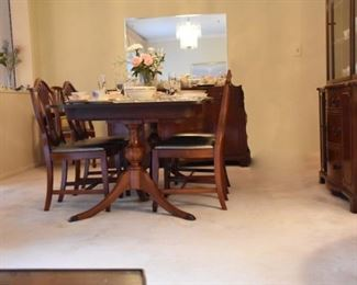 Duncan Phyfe Dining Table & Chairs
