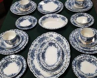 70 pcs of Alfred Meankin Mantone pattern flow blue