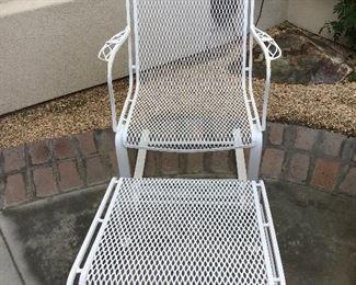 Retro white iron chair & ottoman