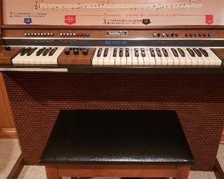 Vintage Baldwin Fun Machine keyboard