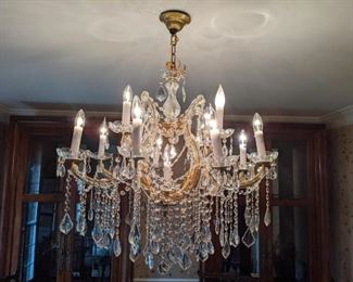 Here's a better shot of the 13-light Maria Theresa chandelier - lights on!