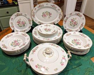 """38-piece set of Noritake """"China Peony"""" china ."""
