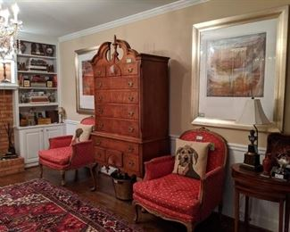 All of the aforementioned items, plus a set/3 vintage mahogany nesting tables and Napoleonic table lamp, w/shade and finial.