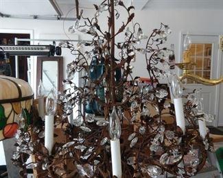 10-light Metal/Crystal chandelier.