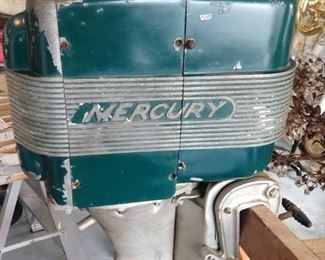 Wonderful 1962 vintage Mercury Kiekhaefer Mark 40 outboard boat motor.
