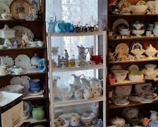 Milk glass, small collectibles
