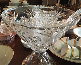 Vintage punch bowl set with cups and ladle. Can't find any chips or cracks