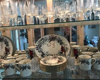"""LENOX """"HLOIDAY GREETINGS"""" BRRAND NEW! SERVICE FOR 8"""