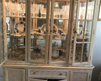 CHINA CABINET MATCHES THE DINING TABLE & CHAIRS