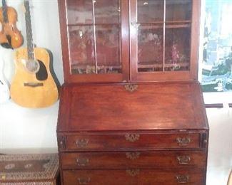Americana secretary desk circa 1790 . Great condition.