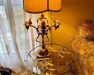 METAL ART TABLE AND METAL ART LAMP