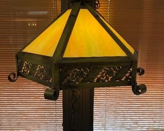 LOVELY SWAG TIFFANY STYLE LAMP