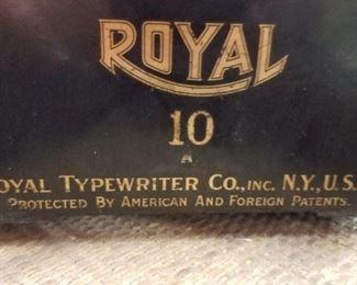Antique Royal #10 typewriter