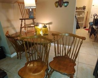 Ethan Allen Brace Back Nutmeg Dining Set with 5 Chairs