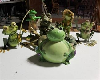 Lot of Frogs Decor -Garden Art -8 Pieces
