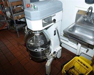 2. TWOTHOUSAND Model B40M Floor Mixer