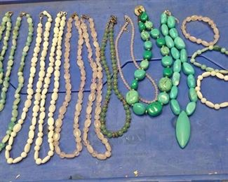 https://www.ebay.com/itm/124138100079 BOX070Z COLLECTION OF COSTUME JEWELRY STONE NECKLACES AND BRACELETS $30.00