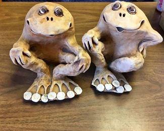 https://www.ebay.com/itm/124145393359KB0058: Dave Grossman Vintage 1978 Clay Ceramic Frog Sculptures $20