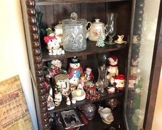 Glassware/collectibles.