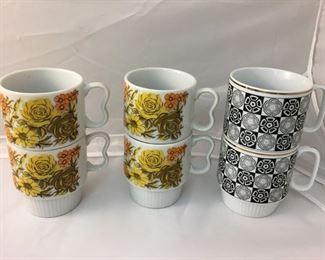 https://www.ebay.com/itm/114195008642BR010: Vintage Stackable Coffee/Tea Mugs set of 4 and set of 2  $15